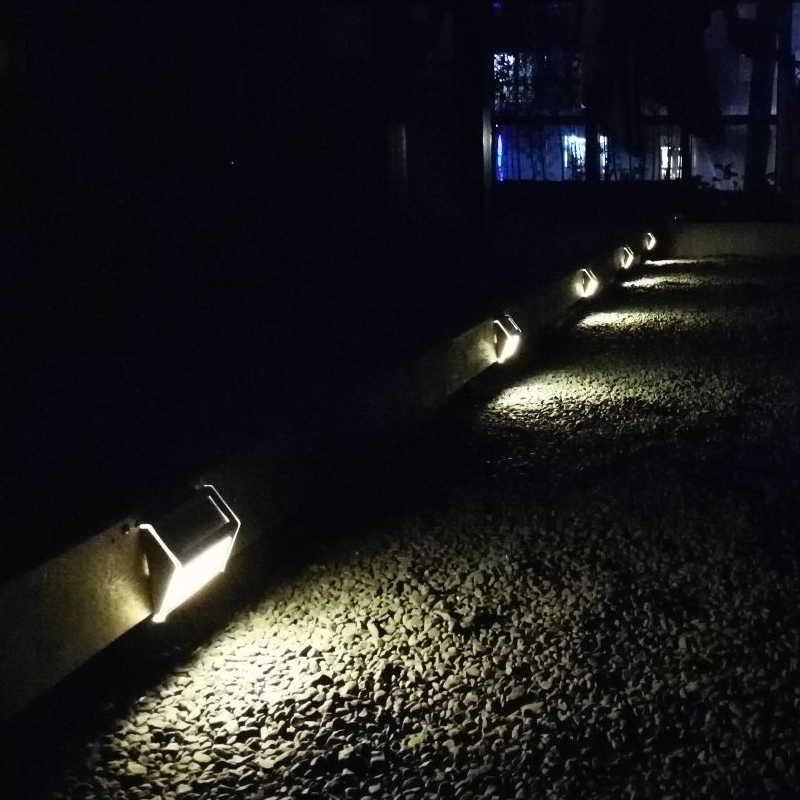 Steel kültéri napelemes LED lámpa kert